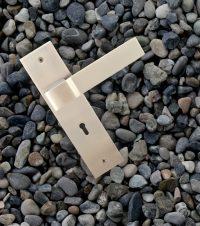 bumpy-mortise-handle